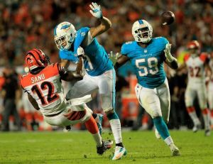 Dannell Ellerbe had a horrible first season. Not too many highlight photos to choose from in his first season in Miami.
