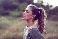sporty girl ponytail